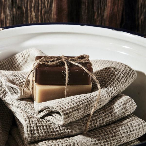 belle serviette en lin lavé tissage nid d'abeilles