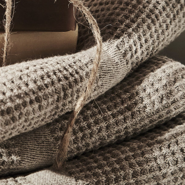 douce et légère serviette en lin lavé tissage nid d'abeilles