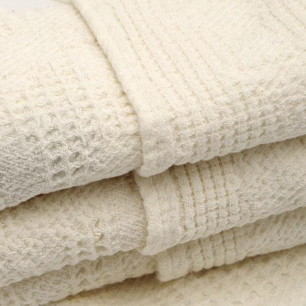 magnifique plaid pur lin lavé avec joli tissage gaufré couleur beige écru