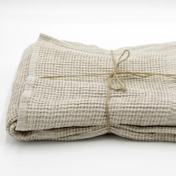 belle serviette en lin lavé ideal pour sortie bain, sauna, plage ou piscine bain