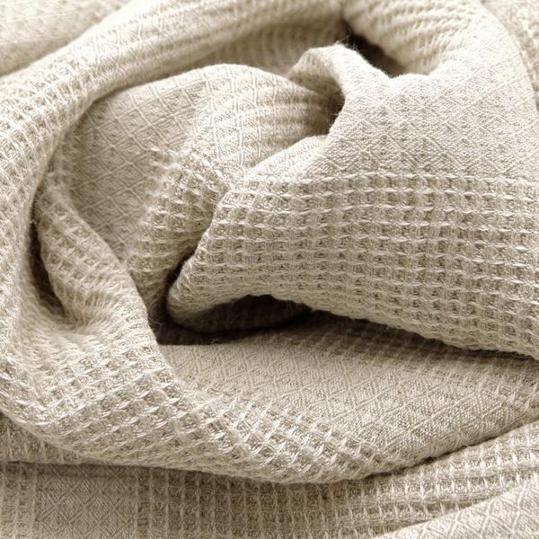belle serviette en lin lavé ideal pour sortie bain, sauna, plage ou piscine