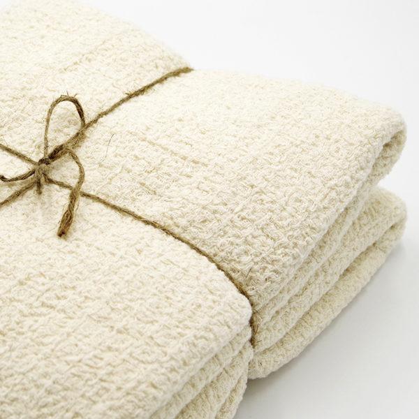 magnifique plaid pur lin lavé avec joli tissage gaufré couleur beige