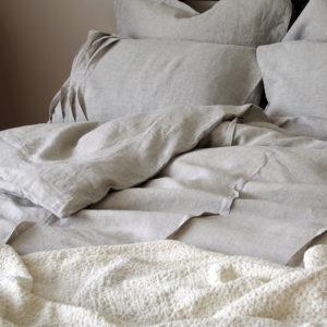 belle parure de lit en pur lin lavé couleur lin naturel