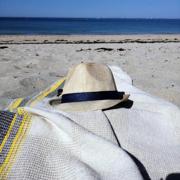 serviette en lin tissage nid d'abeilles pour plage bain ou piscine