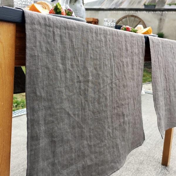 chemin de table pur lin lave couleur marron fumé