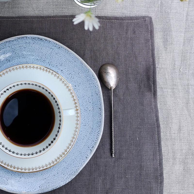 set de table en pur lin lavé couleur marron