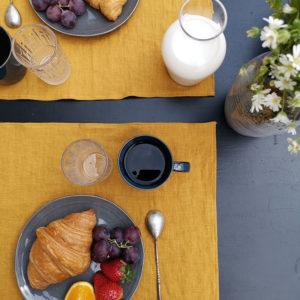 set de table en pur lin lavé couleur moutarde